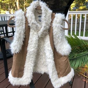 Tan vest with white fur | OLD NAVY